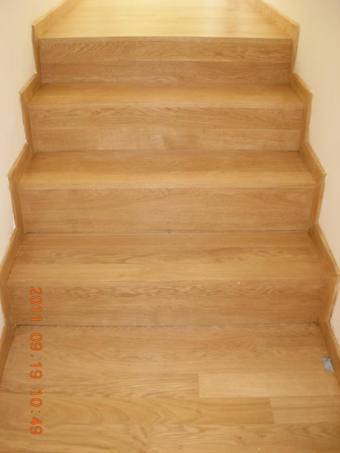 Σκάλα καρφωτή επί καδρονίου.