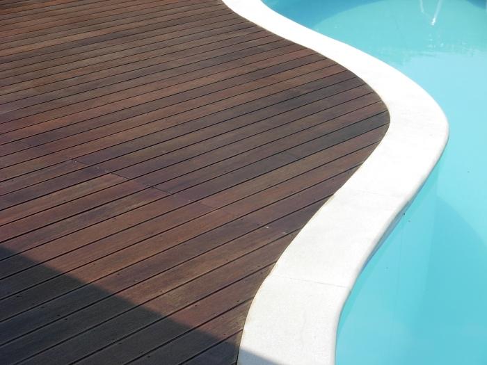 strati_deck_maintenance